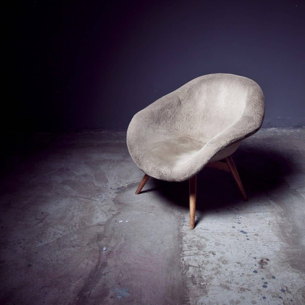 כיסא מעוצב מבטון